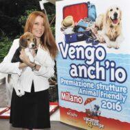 Michela-Vittoria-Brambilla-alla-premiazione-delle-strutture-animal-friendly